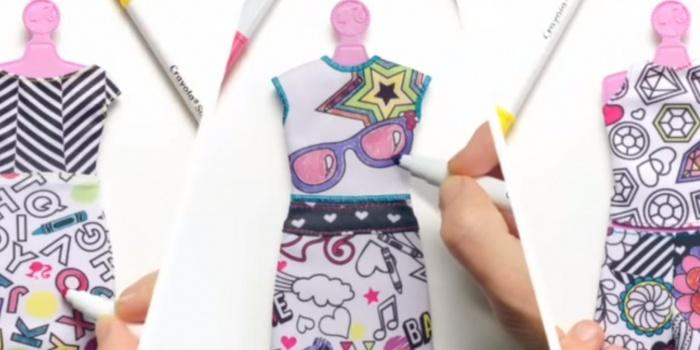 Diseño y color con Barbie y Crayola – Dollicius